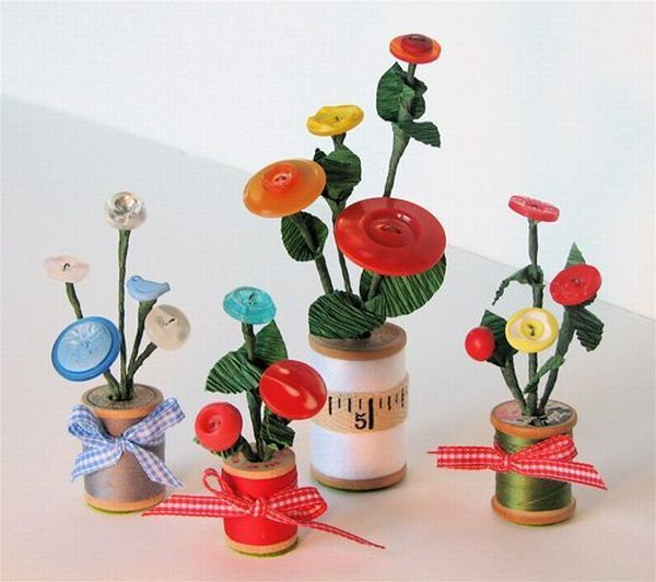 Crafts from buttons (1)