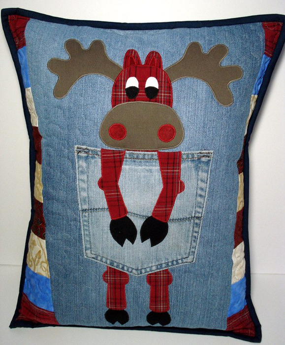 Cristmas pillow of old jeans