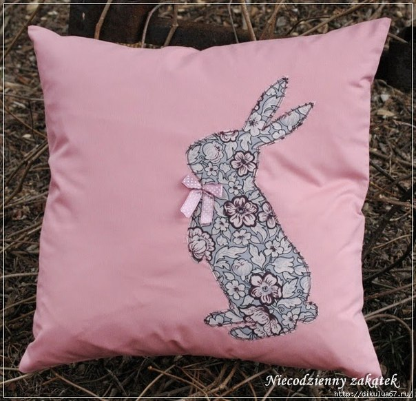 30 Creative Pillow Ideas